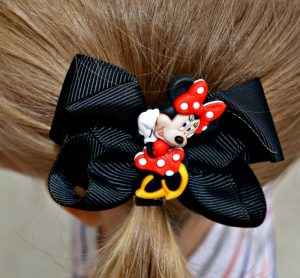semi-homemade minnie bow in hair