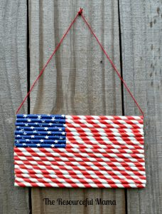 Paper straw patriotic flag~great craft kid craft project for Memorial , Flag Day, or 4th of July.