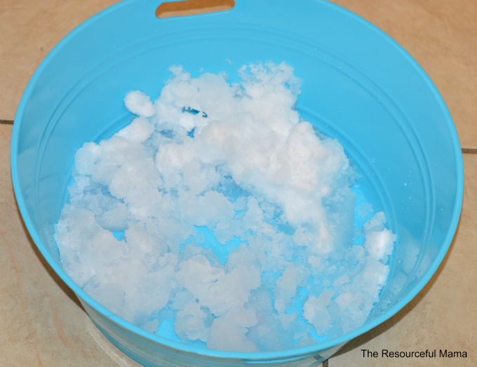 Melting snow science experiment-winter science experiment for preschoolers and kindergartners
