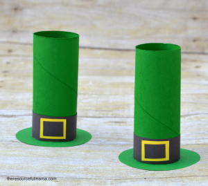 St. Patrick's Day toilet paper roll leprechaun hat craft for kids