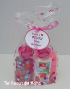"""teacher appreciation gift bag """"have a berry nice summer"""" Free Printable"""