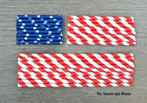 use patriotic paper straws to make a flag