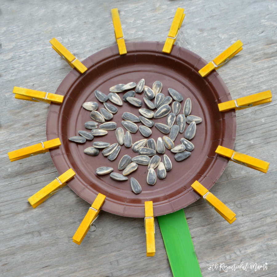 Clothespin sunflower craft for kids the resourceful mama for Mini clothespin craft ideas