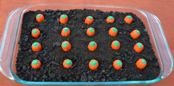 Pumpkin Patch Dirt Cake The Resourceful Mama