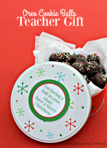 OREO Cookie balls make a great holiday teacher gift. They are an easy no bake treat that the kids can help make ahead of time. Package them in a fun container and add this free printable gift tag