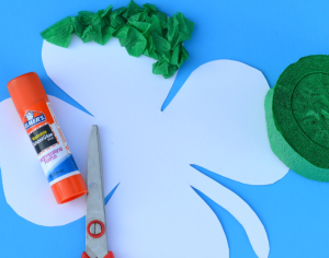 Crepe paper St. Patrick's Day Shamrock kid craft-free Shamrock template