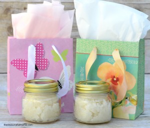 Homemade Lavender Vanilla Sugar Scrub DIY| Gift| Mother's Day| Teacher gift| Kid Made Gift| Pampering