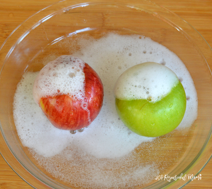 These apple volcanoes combine the classic baking soda and vinegar reaction to create a fun and simple science activity for kids. We took this one step further and asked the kids to make predications. fall | science experiment | STEM