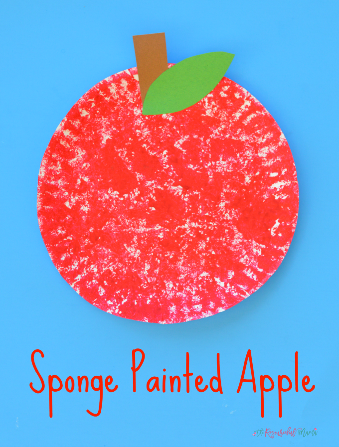 This sponge painted apple is a fun and simple fall kid craft. johnny appleseed | back to school | preschool | toddler | paper plate