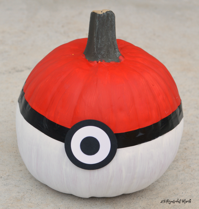 No-carve Poke Bal Pokemon Pumpkins for Halloween.
