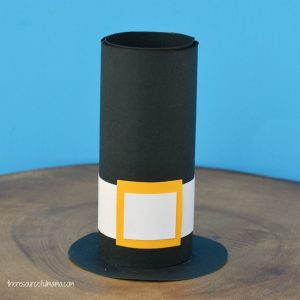 Turn your paper roll into a Pilgrim Hat Craft for kids with just a few simple supplies and easy to follow directions.