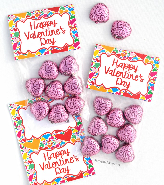 These Valentine's Day Treat Bag Toppers work great for giving friends, family, teachers, or anyone else a special little Valentine's day treat.