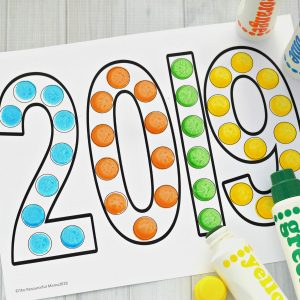 This dot painting activity is a great activity for young kids to ring in the New Year. It's also a fun way to teach young kids the new year.